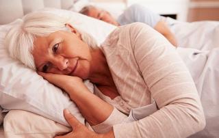 Alvászavar idős nőknél